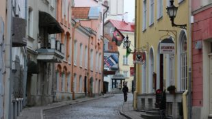 street-in-old-town-tallinn-estonia